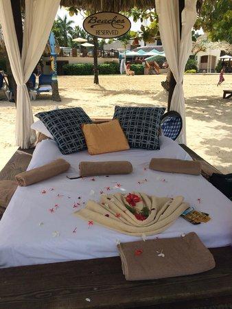 Beaches Negril Resort & Spa: Beach Cabana