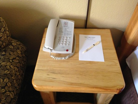 Great Wolf Lodge Concord: Phone and Notepad