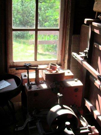 Bonneyville Mill County Park : vintage tools