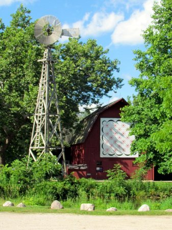 Bonneyville Mill County Park : windmill and barn