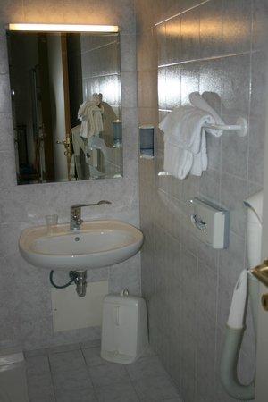 Hotel Barberino: Chambre 109 - Evier