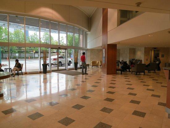 Hilton Vancouver Metrotown: Frontdesk area