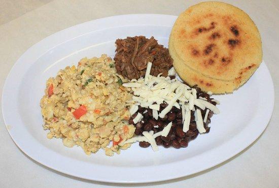 Manhattan International Bakery: Desayuno Criollo