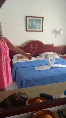 Hotel Les Quatre Saisons : Deco de chambre