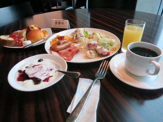 Mitsui Garden Hotel Ginza Premier : 朝食は美味しいです。