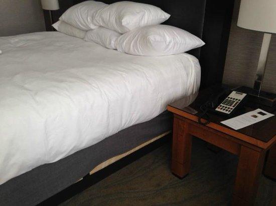Hyatt Regency La Jolla: careless: did not tuck bedskirt