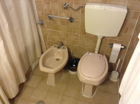 Torre Velha Hotel: toilet