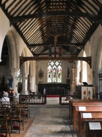 Godshill Church: Inside