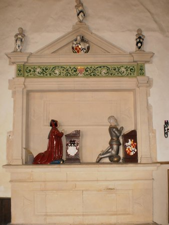 Godshill Church: Fine collection of monuments