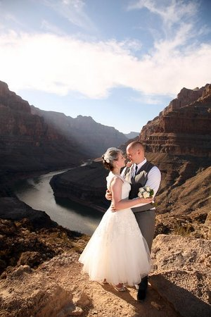 Scenic Las Vegas Weddings Chapel: Grand Canyon wedding