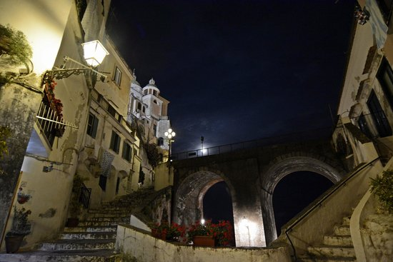 Villa San Michele: A nighttime stroll to Atrani is magical. The road can be scary at times but it's more than worth