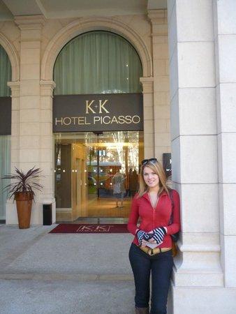 K+K Hotel Picasso: Entrada al Hotel
