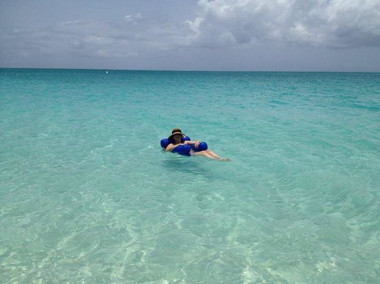 Seven Stars Resort & Spa: praia com bóia do hotel