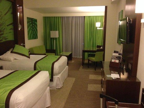 Hotel Riu Plaza Panamá: Habitacion doble