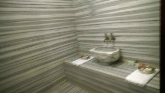 Garden House Istanbul: bagno della suite