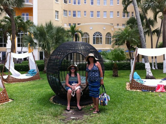 British Colonial Hilton Nassau: Quiet, clean and near our cruise ship.