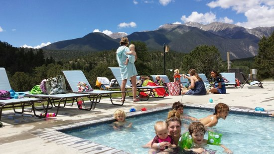 Mount Princeton Historic Bath House & Hot Springs : Hanging out in the kiddie pool.