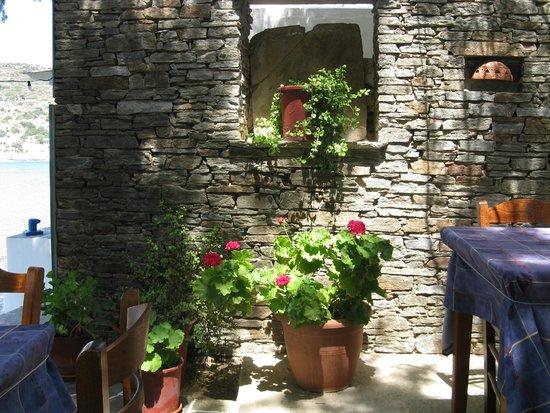Manolis Taverna: Wall decor