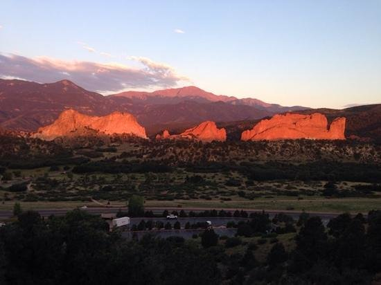 Garden of the Gods Club and Resort: The view from Room 203