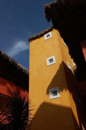 Iberostar Quetzal Playacar: Beautiful buildings