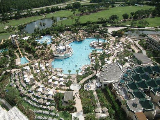 Orlando World Center Marriott: The Falls Pools
