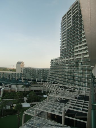 Orlando World Center Marriott: Massive hotel