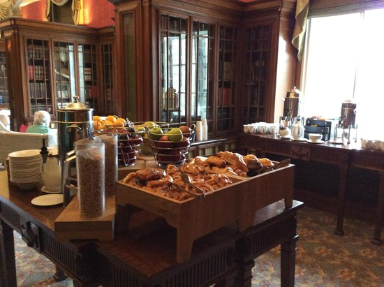 London Marriott Hotel County Hall: Executive Breakfast Buffet