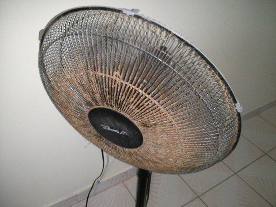 Suenos del Mar: Dirty Fan in family room