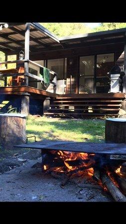 Wongari Eco Retreat: Outdoor fire