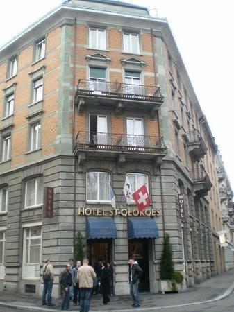 St. Georges: El Hotel