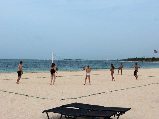Now Larimar Punta Cana: Beach volleyball