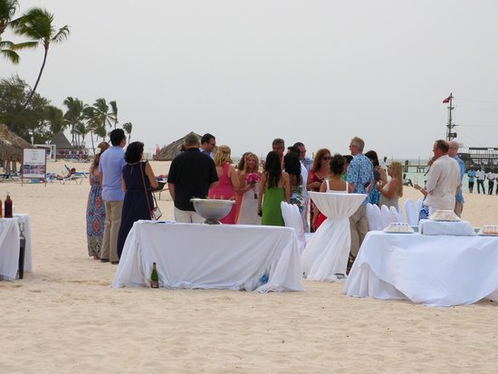 Now Larimar Punta Cana: One of the many weddings on the beach