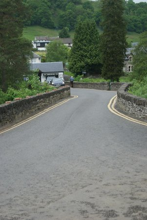 The Falls of Dochart Inn: The bridge to town - a little hairy to walk.