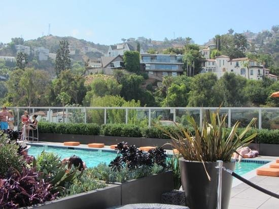 Andaz West Hollywood : Nice roof top pool with stunning views