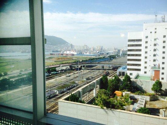 Toyoko Inn Busan Station No.1: Twin rm 1518 view