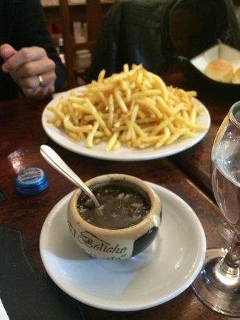 El Boliche de Alberto: Papas fritas e chimichurri