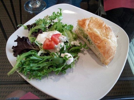 Bella Rose Bakery & Cafe : Combination Salad and Chicken Salad Sandwich.  Great!!!!!!
