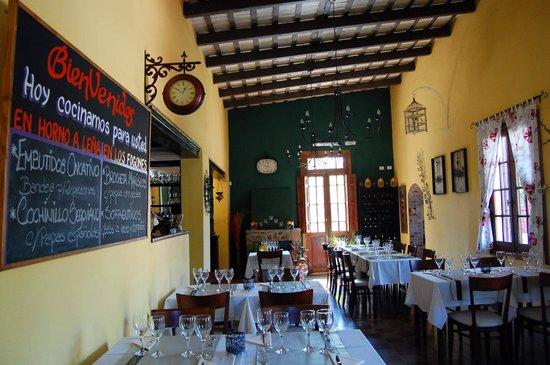 Rio Ceballos, Argentina: Salón de Restaurante Bienmesabe