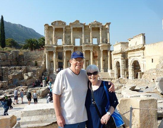 Ephesus Tours : The Library At Ephesus