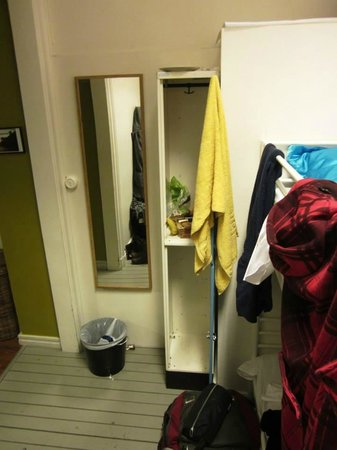 City Backpackers Hostel: Our section of the room (Långholmen).