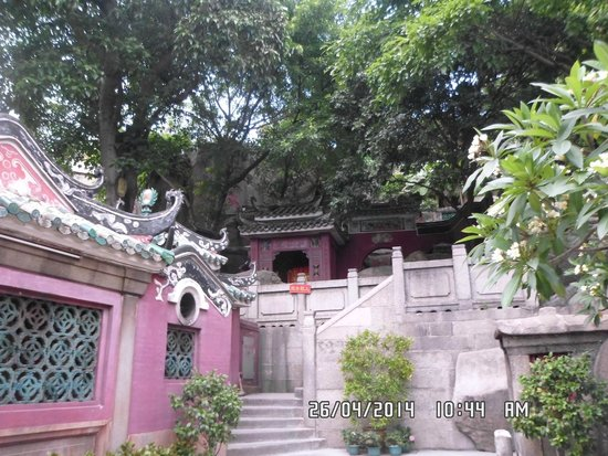 A-Ma Temple (Ma Kok Miu): Under big trees