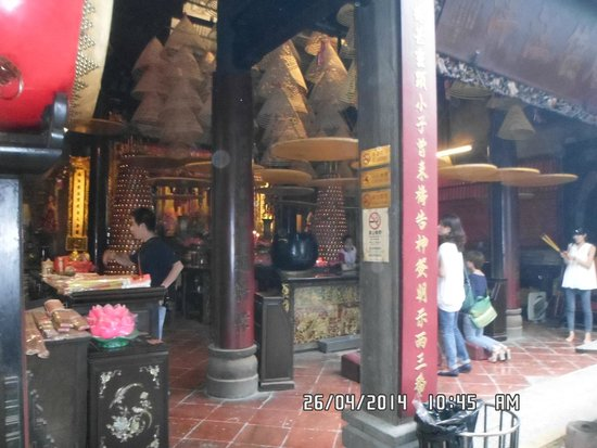 A-Ma Temple (Ma Kok Miu): Pray and worship