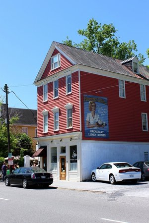 Hominy Grill: View from the Street.
