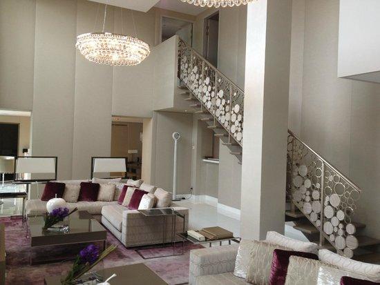Mandarin Oriental, Paris: salon de la suite Royale