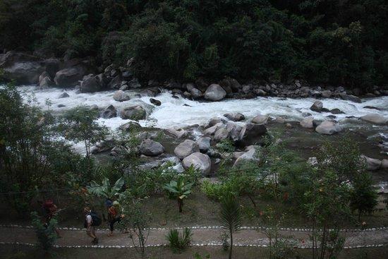 SUMAQ Machu Picchu Hotel: Vilcanota (Urubamba) River from our balcony