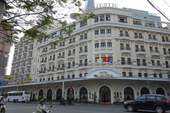 Hotel Majestic Saigon : 昔から変わらない外観