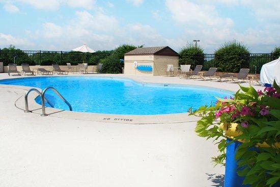 Days Inn Jasper: Pool