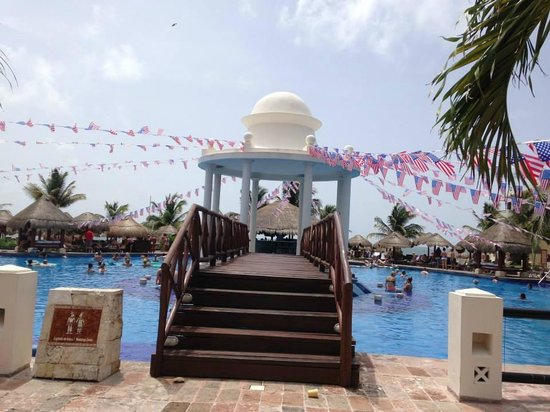 Now Sapphire Riviera Cancun : 4th of July