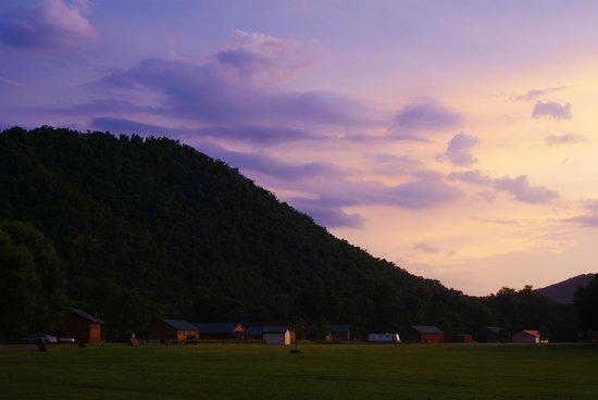 White Buffalo Resort: Cabins
