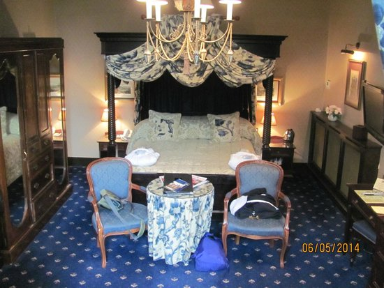 Langley Castle Hotel: The DeLucy room.